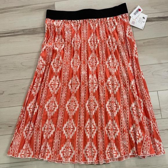 NWT Luluroe boho Aztec design Aline pleated skirt